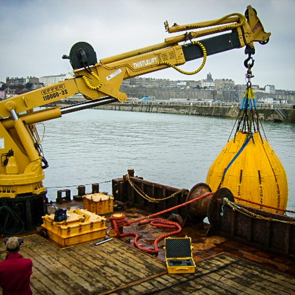 marine-crane-loadtest