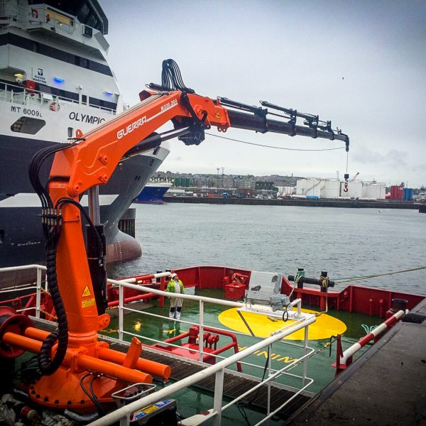guerra-crane-offshore-supply-vessel