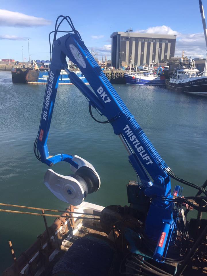 Power Block Head 24 Thistle Marine Deck Handling